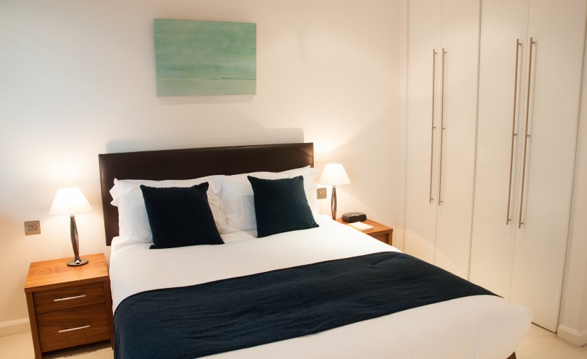1 2 3 beds serviced apartments London Canary Wharf