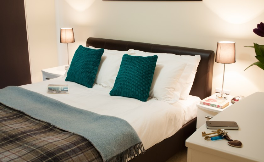 double bed serviced apartment hammermsith